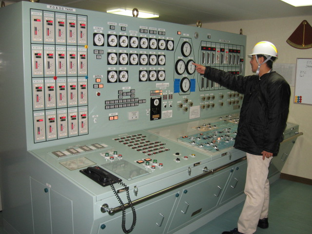 how to maintain tank pressure for a gas carrier carrying liquefied gases